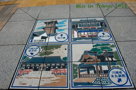 地上的瓷砖也绘右江户建筑物,与景点